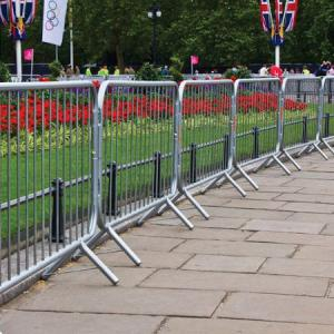 crowd-control-barrier-hire-london.jpg