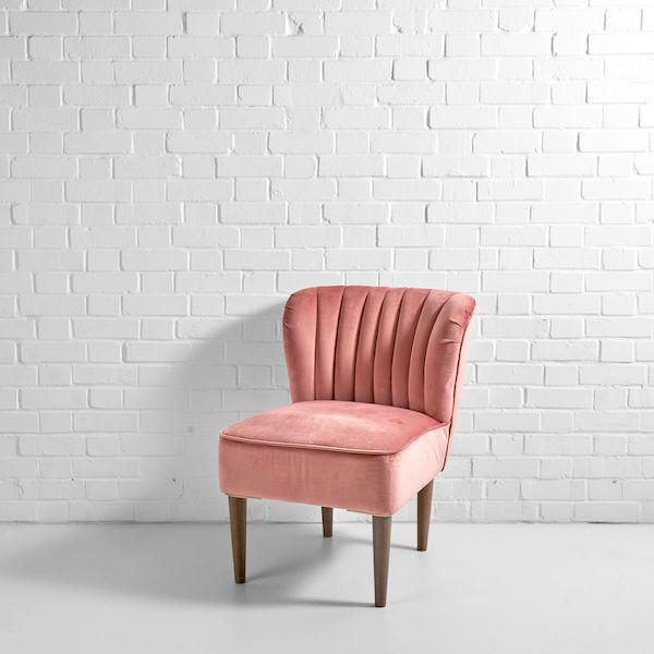 pink mermaid chair hire