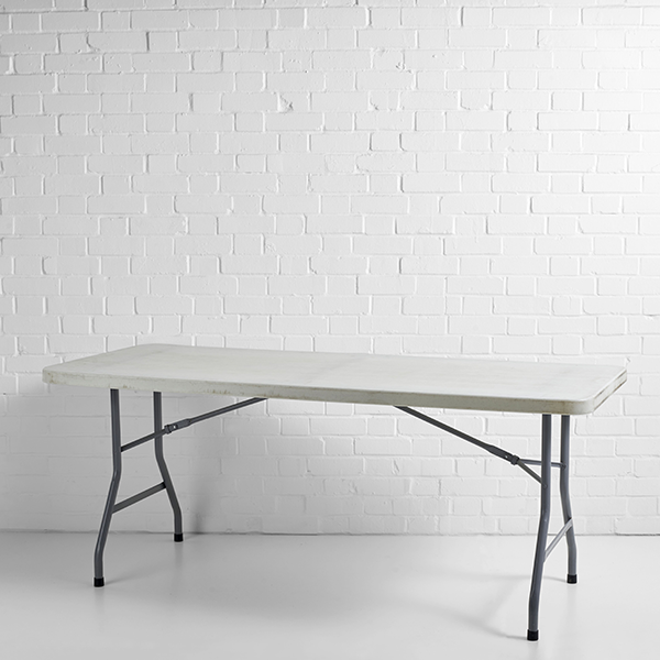 trestle table plasic 6ft